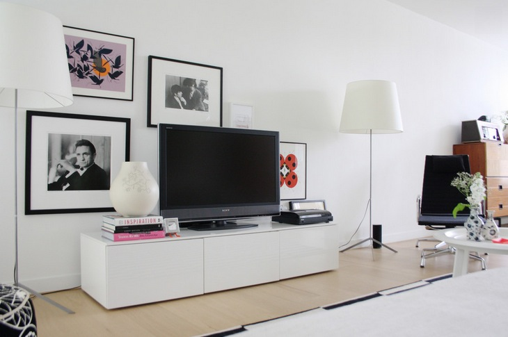 ask the expert incorporating your tv into your design. Black Bedroom Furniture Sets. Home Design Ideas